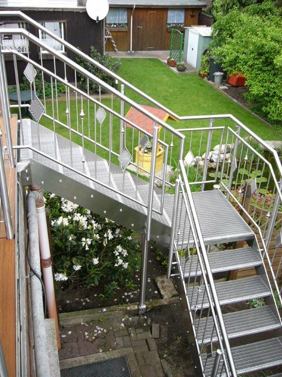 Metallbau Dülmen   Schürjann   Edelstahl   Treppen- und Balkonbau, Fertigung von Garagentoren, Geländer und diversen Sonderarbeiten.